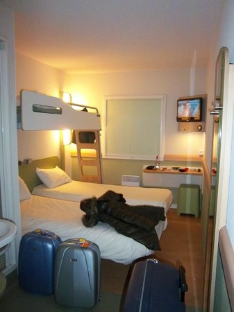 IBIS BUDGET PARIS PORTE D ORLEANS   Hotel Reviews  Photos  Rate     IBIS BUDGET PARIS PORTE D ORLEANS   Hotel Reviews  Photos  Rate Comparison    TripAdvisor
