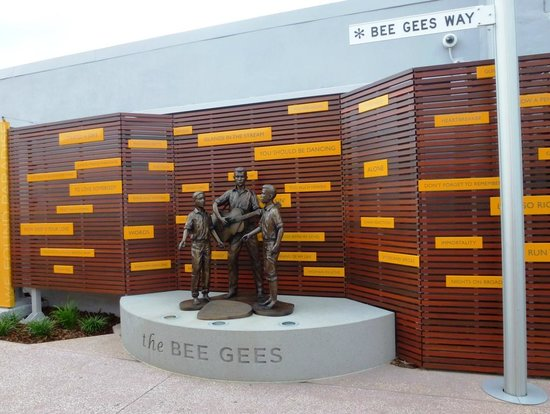 https://i1.wp.com/media-cdn.tripadvisor.com/media/photo-s/03/bb/88/0a/bee-gees-way.jpg