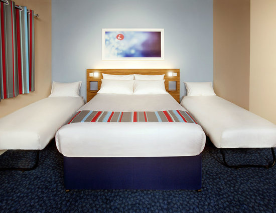 Travelodge Birmingham Yardley Hotel Truckle Beds