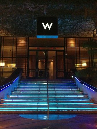 Los Angeles - Westwood : Front Entrance