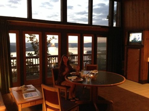 Interior of Chalet  403   Picture of Lake Guntersville State Park     Lake Guntersville State Park Lodge  Interior of Chalet  403