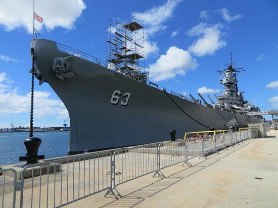 A Pearl Harbor survivor - Picture of Battleship Missouri ...