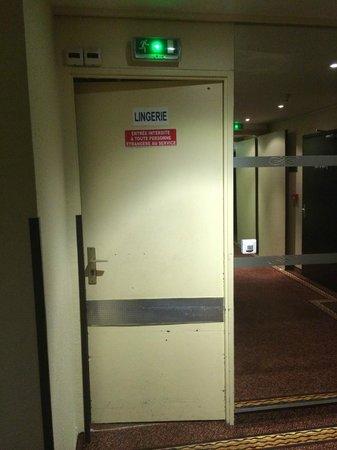 Porte Face Sortie Ascenseur
