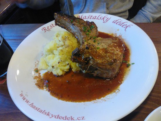 на фото размер не понятен, реально большой кусок мяса ...