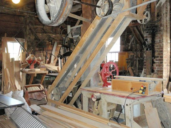 Tyrone Mills Limited - 1846: Our antique waterpowered woodworking shop