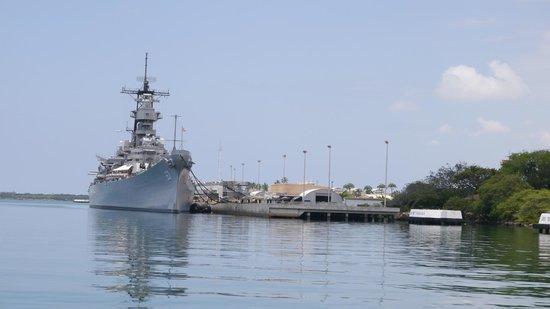 Pearl Harbor - Picture of Battleship Missouri Memorial ...