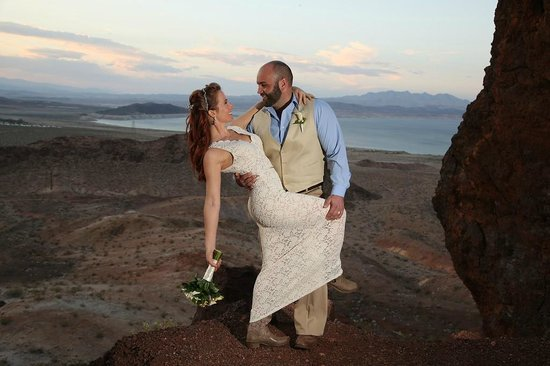Las Vegas Maverick Helicopter Wedding Packages