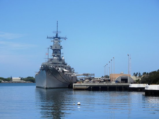 The battleship from the USS Arizona Memorial - Picture of ...