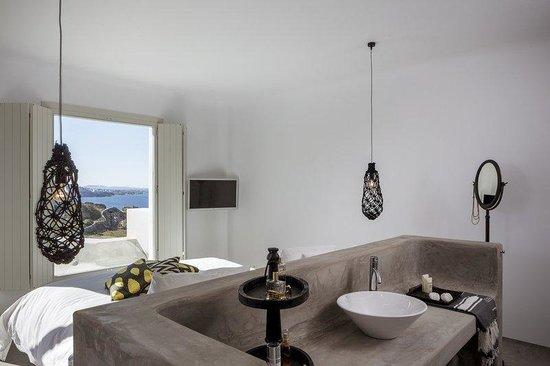 Guest Room (108049562)