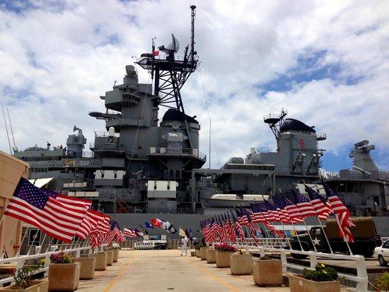 Might Mo - Picture of Battleship Missouri Memorial ...