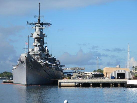 USS Missouri - Picture of Battleship Missouri Memorial ...