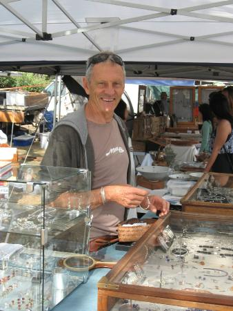 Byron Bay Beachside Markets - All You Need to Know Before ...