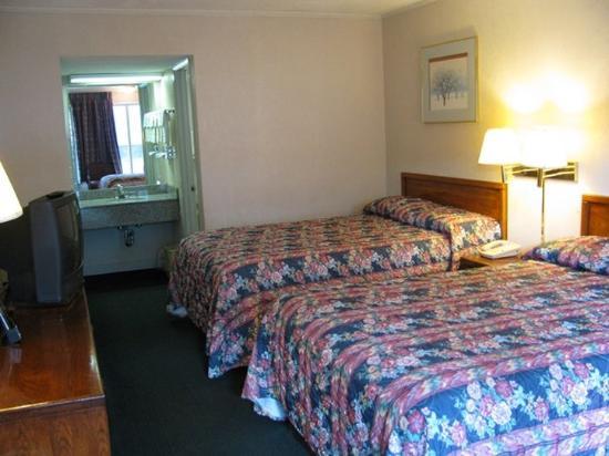 Scottish Inns Jackson Tn 2 Double Beds