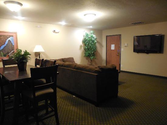 presidential suite has separate room