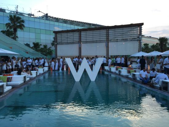 Sunday Pool Party - Picture of W Barcelona, Barcelona ...