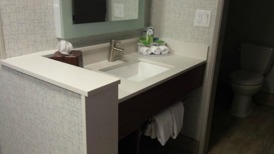 Vanity - Foto van Holiday Inn Express Salt Lake City ...