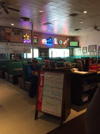 picture of bonnie brae tavern denver