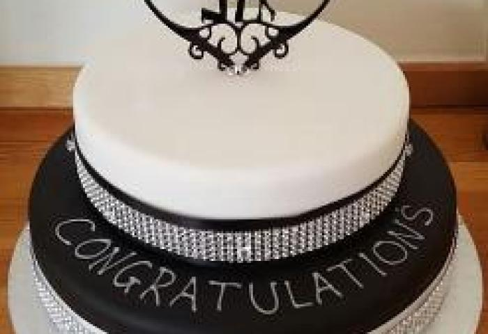 The Most Beautiful Engagement Cake So Pleased Picture Of Royal