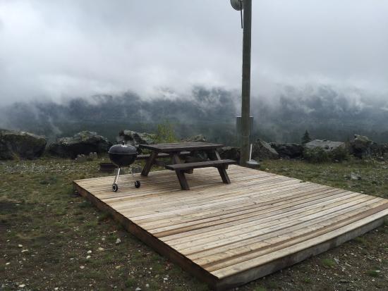 Steriler Campground ohne gute Abgrenzung zum Nachbarn. - Whistler RV