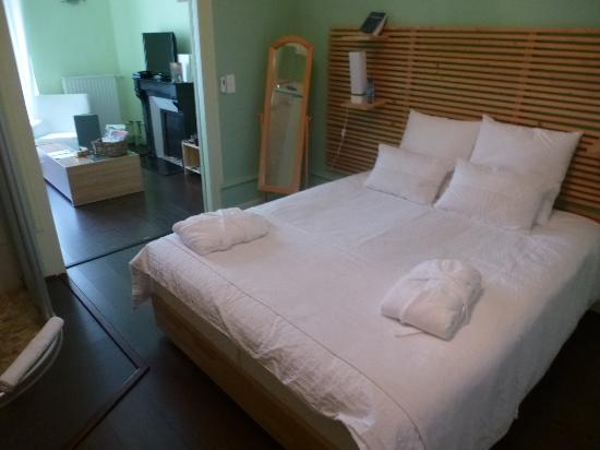 les epicuriens chambres d hotes queen bed sitting room