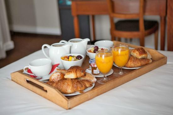 best western aramis saint germain plateau petit dejeuner en chambre