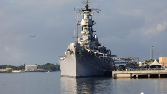 USS Missouri from the USS Arizona - Picture of Battleship ...