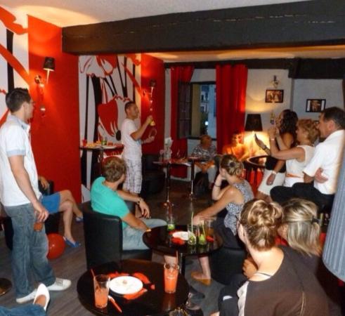 le bar avec 2 ambiances cubaine au rdc