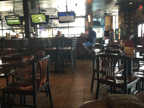 Backyard Bar And Grill Chantilly