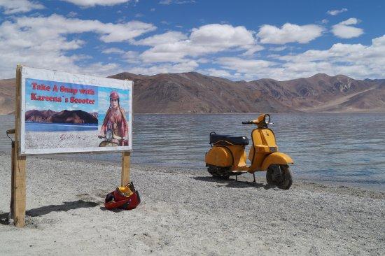 Image result for Pangong Tso Lake - 3 Idiots