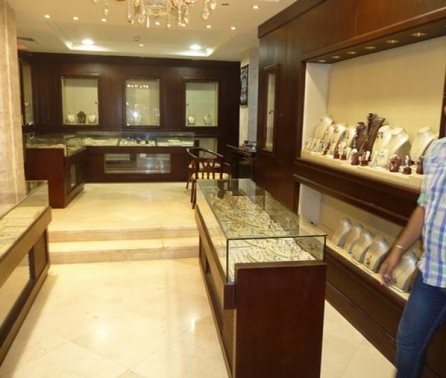 Baron Palace Sahl Hasheesh And The Jewelry Store
