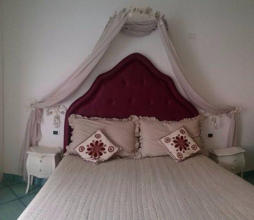 Visualizza altre idee su shabby chic, shabby, arredamento. Letto Matrimoniale Suite Filumena Picture Of B B Casa Mariannina Maiori Tripadvisor
