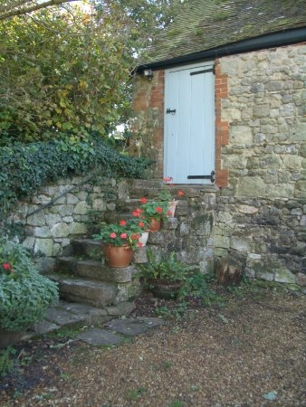 Outside Steps To 2Nd Bedroom The Old House Picture Of Gotten | Outside Steps For House | Front Door | Entryway | Decorative | Ranch Style House | Beautiful