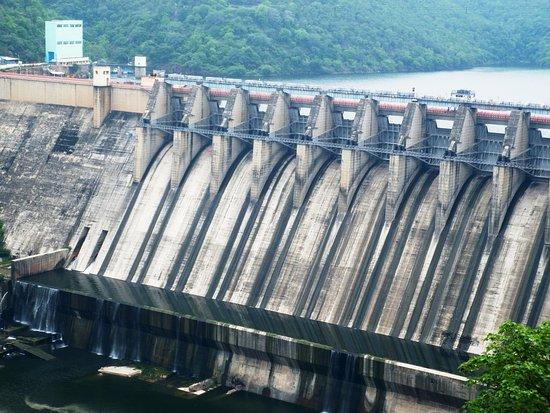 Telugu Agricultural News - Srisailam Dam Gates Closed