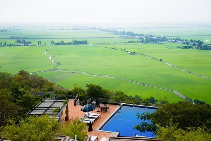 Vietnam trip: Ho Chi Minh City Weekend getaways:: Nui Sam Lodge