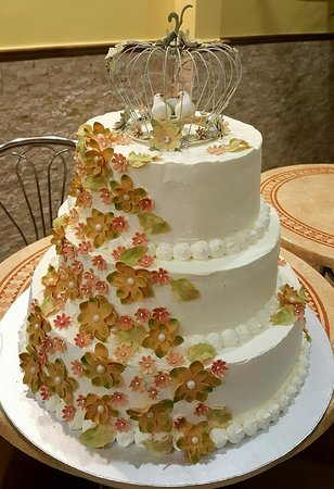 Fruit Wedding cake   Picture of Patiseria Amicii  Mangalia   TripAdvisor Patiseria Amicii  Wedding cake