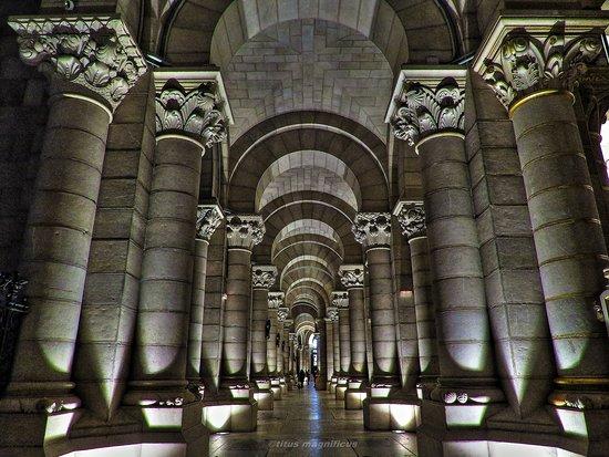 Cripta de la catedral de la Almudena: fotografía de Cripta de la ...