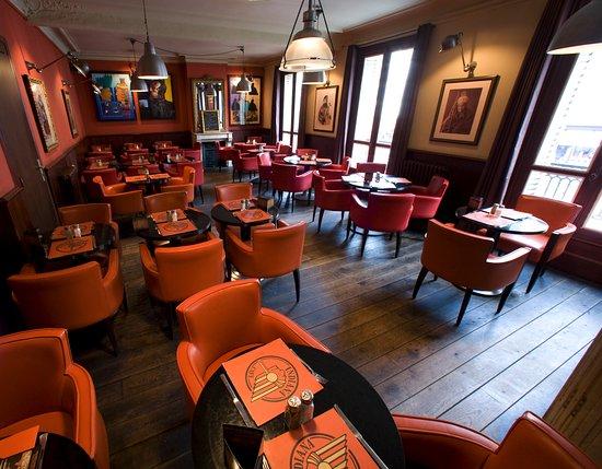 Family Restaurants Near Eiffel Tower