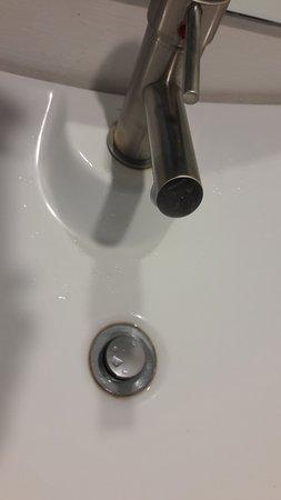 bathroom sink drain flange dirty