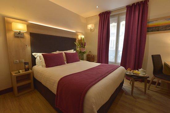 Hotel Renoir Paris Voir Les Tarifs 80 Avis Et 112 Photos