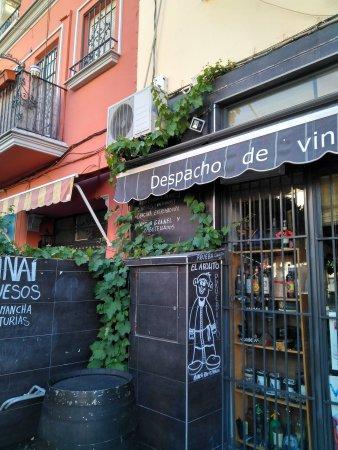 Resultado de imagen de despacho de vinos sinai sevilla