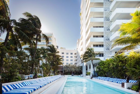 The roof terrace is equipped with a cool rooftop pool, large daybeds and comfy lounge sofas, perfect. Soho Beach House Miami Beach Fl Omdomen Tripadvisor