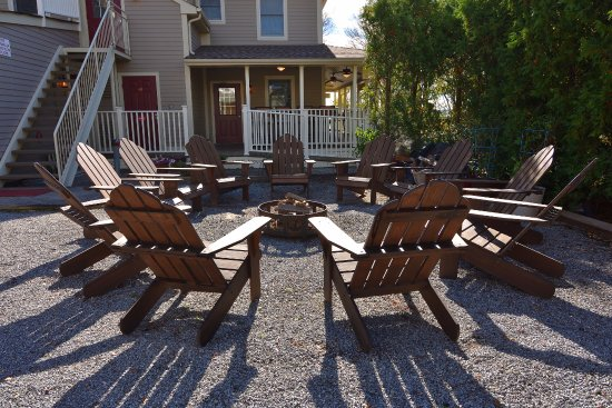 fire pit area picture of bay breeze