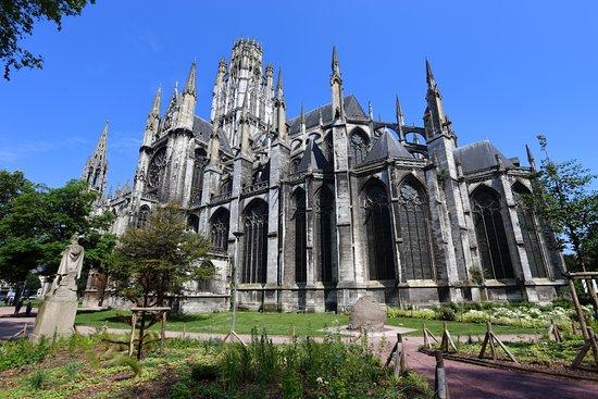 Hermosa abadía - Opiniones de viajeros sobre Abbatiale Saint-Ouen ...