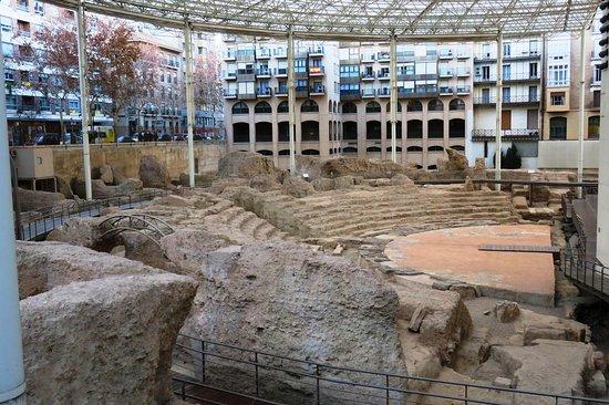 Teatro romano de Zaragoza: fotografía de Museo del Teatro Romano ...