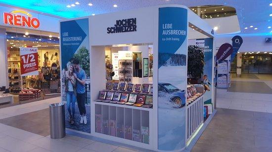 Shopping an der Autobahn - A2 Center Hannover, Isernhagen