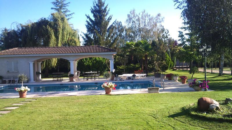 Casa De Campo En Parcela 5000m Jardin Y Piscina Updated