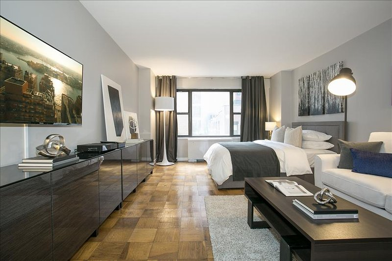 Ultra Modern Designer Apartment Near United Nation Grand
