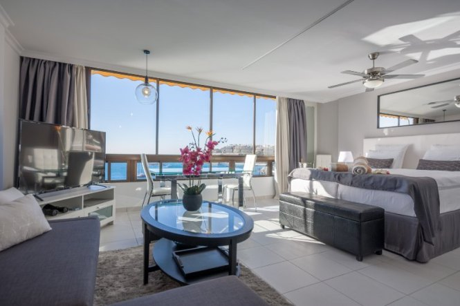Apartment On The Beach With A
