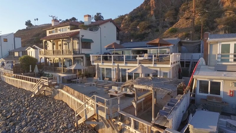 Shabby Chic Malibu Beach House Ocean Level Has Ocean Views And Wi Fi Updated 2020 Tripadvisor Malibu Vacation Rental
