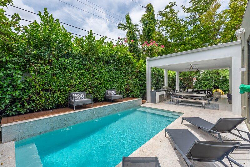 lux villa for 10 miami design district